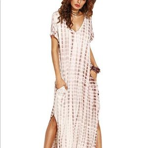 Dresses & Skirts - Long maxi dress with boho print M/L